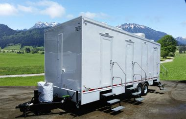 6 Station Shower Trailer Combo   Classic Series