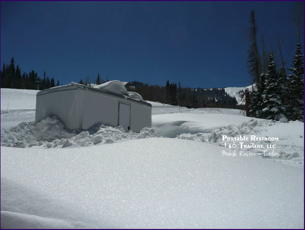 A Luxury Portable Bathroom for Extremely Cold Climates