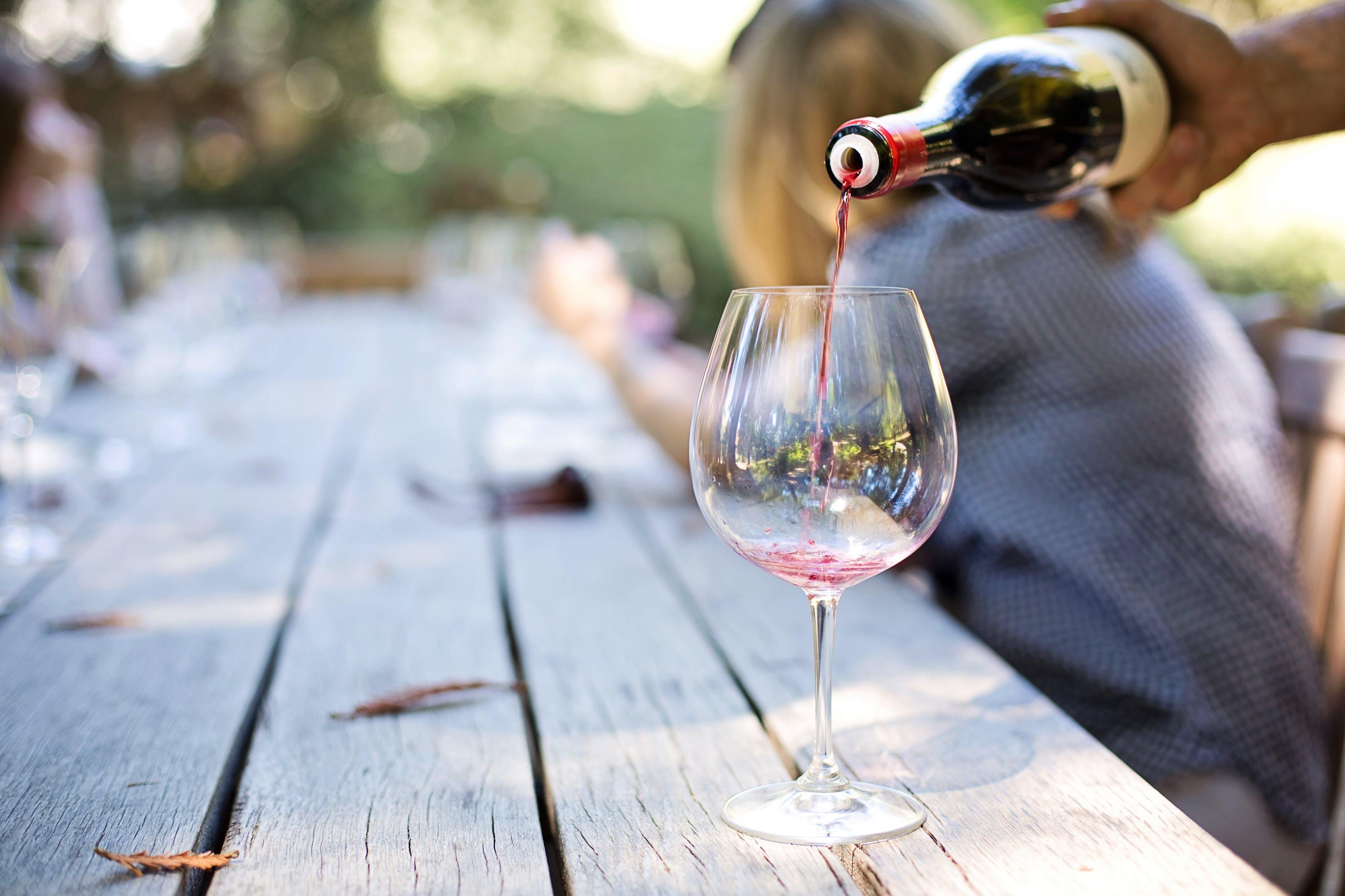 Rental Bathroom Trailers Elevate Guest Experience at Wineries and Vineyards
