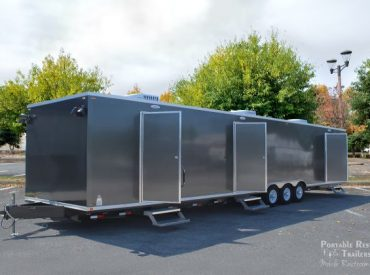 8 Station shower trailers combo with laundry