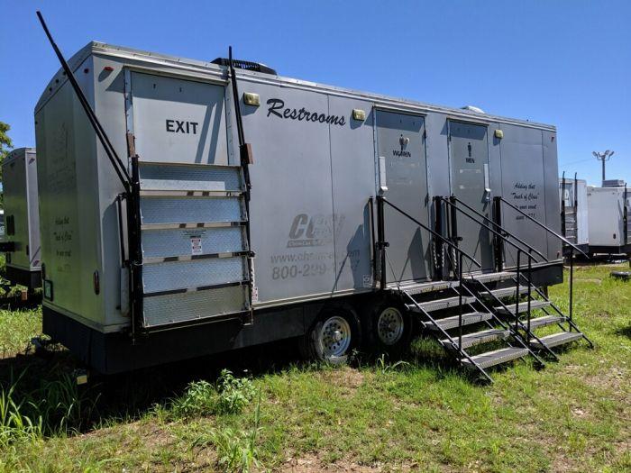 trailer restrooms for river farm