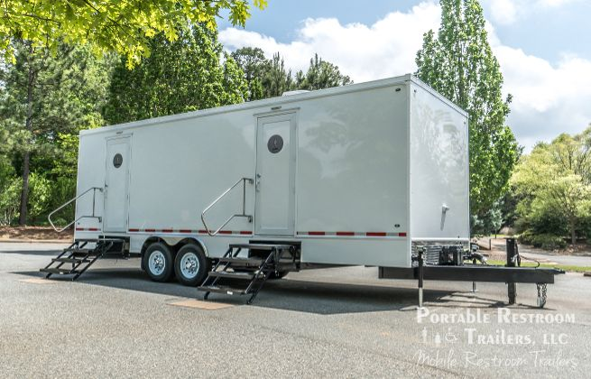 10 station restroom trailers